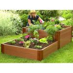 Learn the Benefits of planting a raised Garden Bed