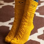 Free Busy Bee Socks Fall Winter Knitting Pattern